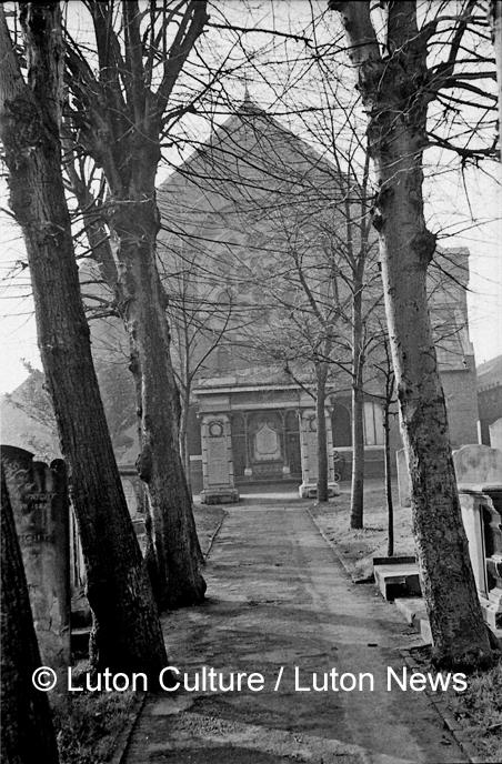 Park Street Baptist war memorial
