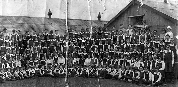 Girls Modern School first pupils 1919