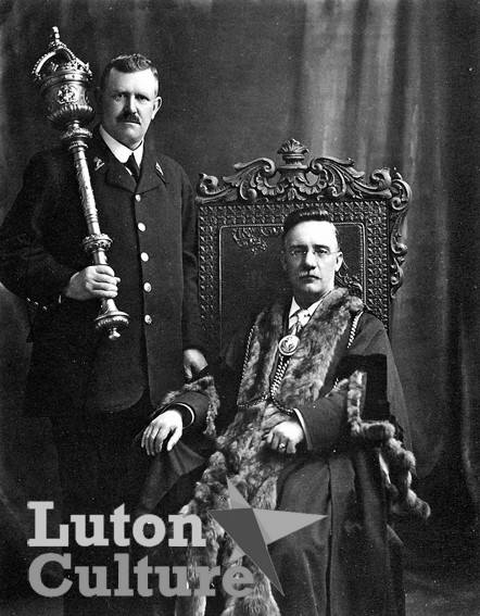 Mayor Impey and macebearer Frederick Ringall (Thurston)